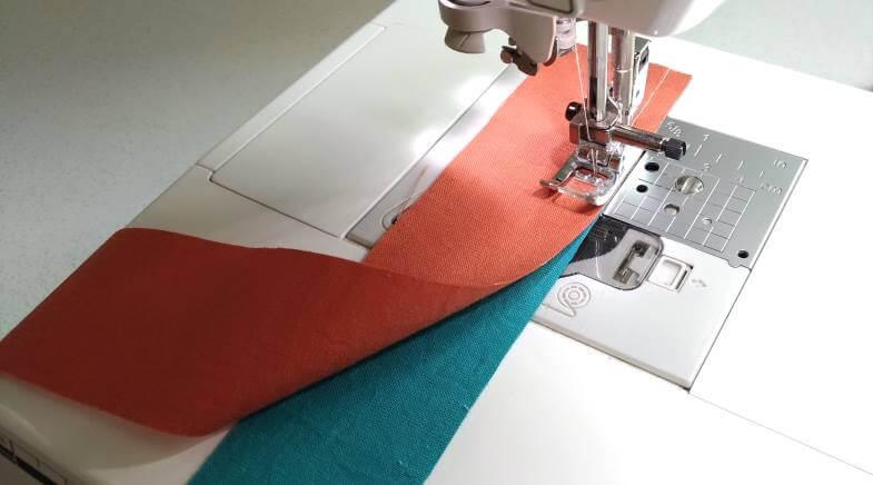 стачиваем полосы ткани