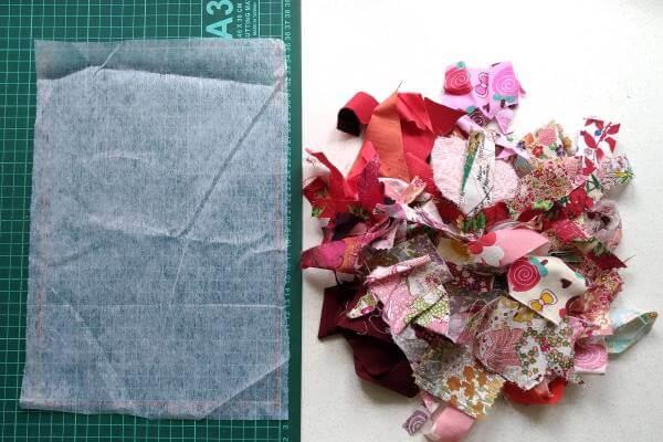 флизелин и лоскутки ткани