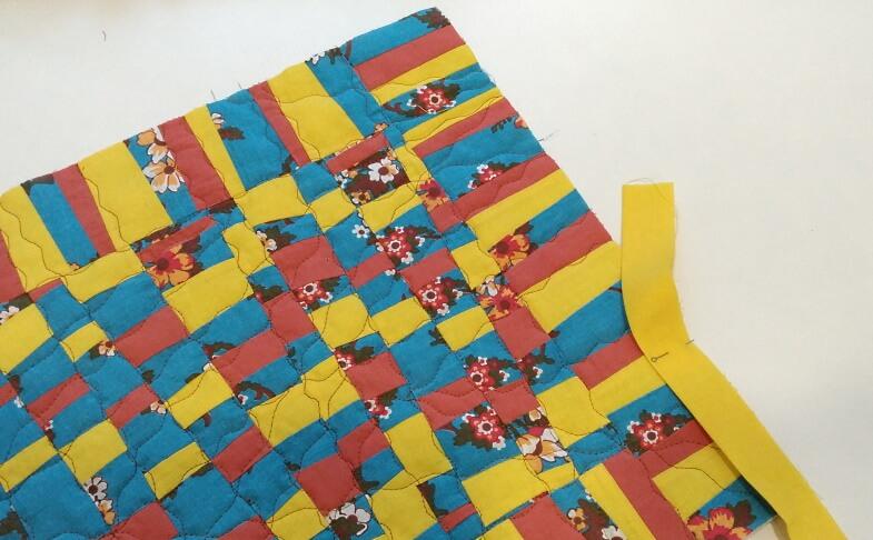 начало пристрачивания бейки на одеяло