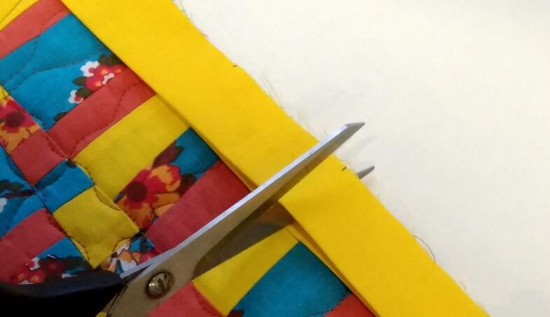 обрезаем излишек бейки